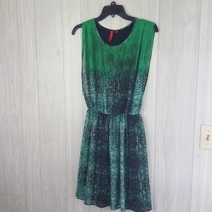 5/48 Fun green print dress Size S